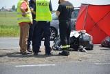 Śmiertelny wypadek motocyklisty w Piotrkowie Trybunalskim. Mężczyzna zginął na krajowej jedynce