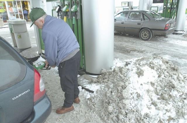 Niestety, drożeje autogaz. Będziemy za niego płacić 2,21-2,38 zł. Powodem jest sroga zima i zwiększony popyt na to paliwo.