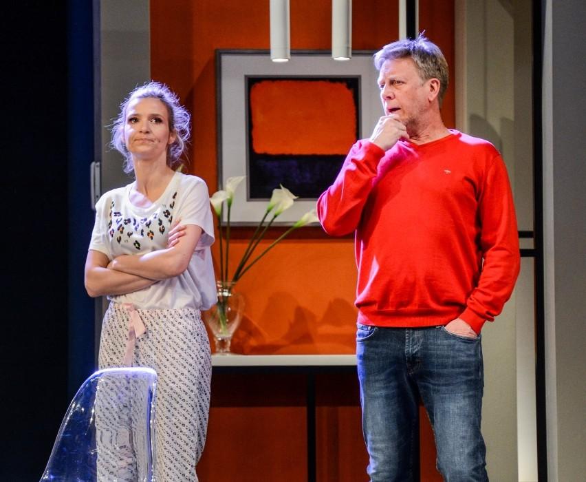 """Joanna Koroniewska w komedii """"Powiedzmy miłość"""" Teatru..."""