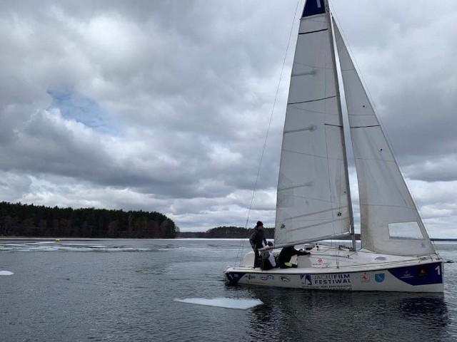 Załoga Dżygit Boatshop Sailing Team zameldowała się dwukrotnie na podium pierwszych regat w nowym sezonie