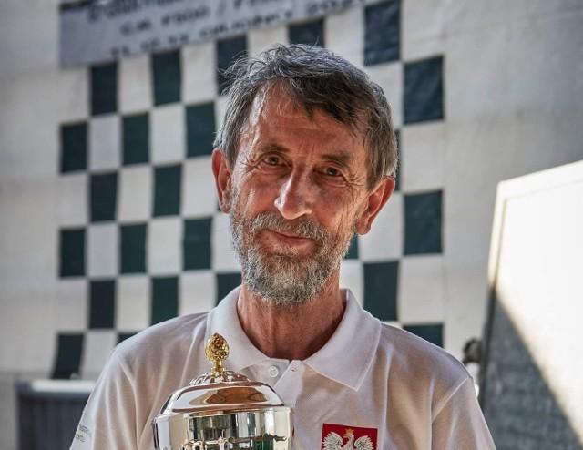 Najbardziej utytułowany polski motorowodniak, Henryk Synoracki wrócił z włoskiego Boretto z pucharem i brązowym krążkiem
