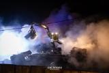 Dobrzyniewo Duże. Pożar sprasowanych aut na terenie firmy Ambit. Złomowisko paliło się 12 godzin (zdjęcia)