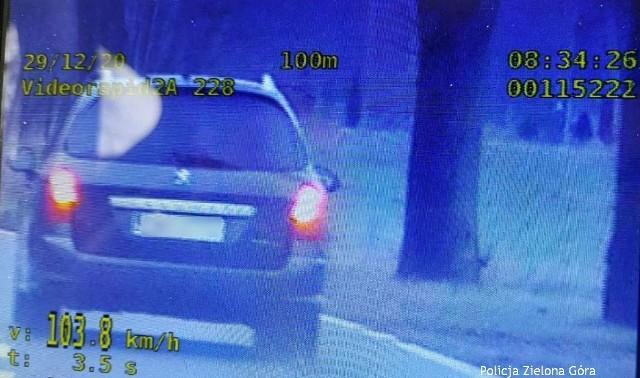 Czterech piratów drogowych straciło prawo jazdy między miejscowościami Bojadła, a Trzebiechowem.