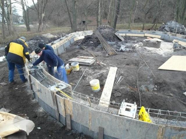 Wybudowane zostaną dwie woliery o powierzchni 185 m2 i wysokości 8,3 m.