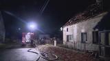 Pożar domu koło Trzebnicy. Lokatorzy zdołali uciec przed płomieniami