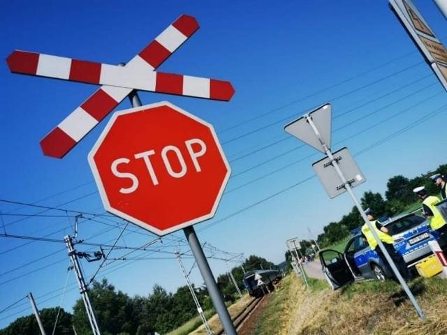 Tragedia na przejeździe kolejowym w Orzeszu Jaśkowicach. Nie żyje 77-latka. Uderzył w nią pociąg osobowy