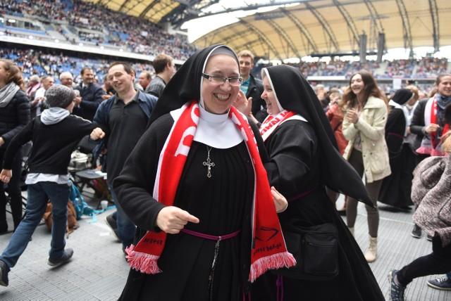Rocznica chrztu Polski: Uroczystości na na stadionie oficjalnie rozpoczęte