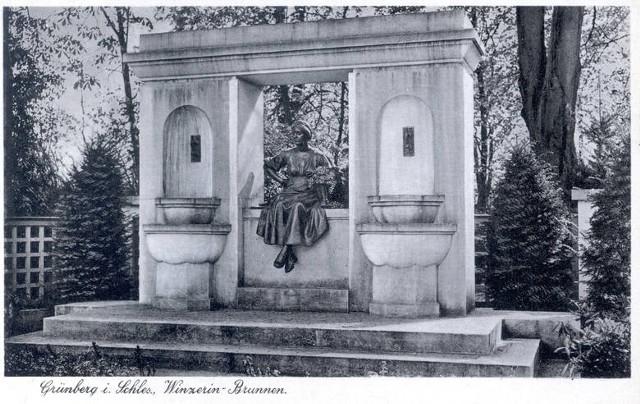 Pomnik winiarki Emmy ma wrócić na skwer przy ul. Chrobrego i al. Niepodległości