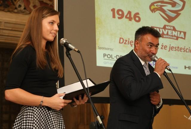 Imprezę poprowadzili, w dodatku niezwykle sprawnie, Alicja Tchórz i Grzegorz Widanka