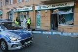 Wybuch w banku na Karłowicach we Wrocławiu. W powietrze wyleciał bankomat [ZDJĘCIA]