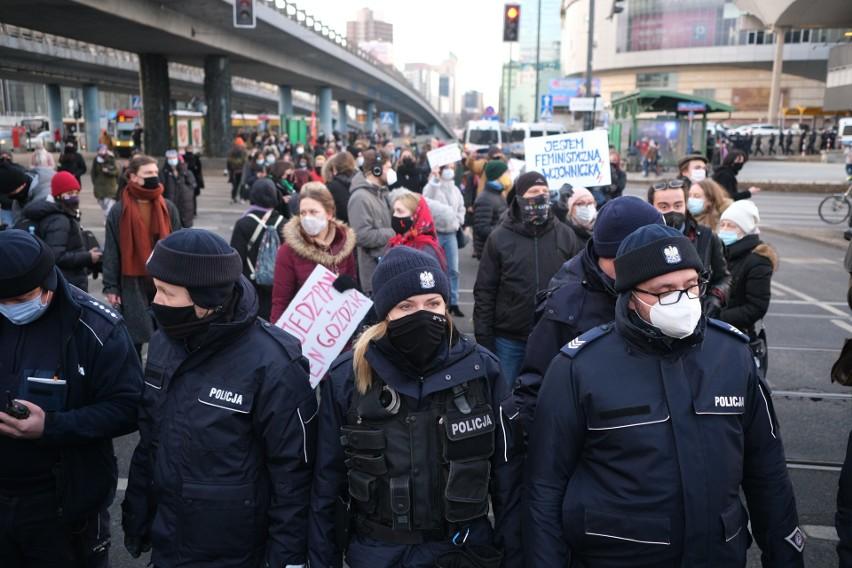 Ogólnopolski Strajk Kobiet organizuje dzisiaj manifestacje w...