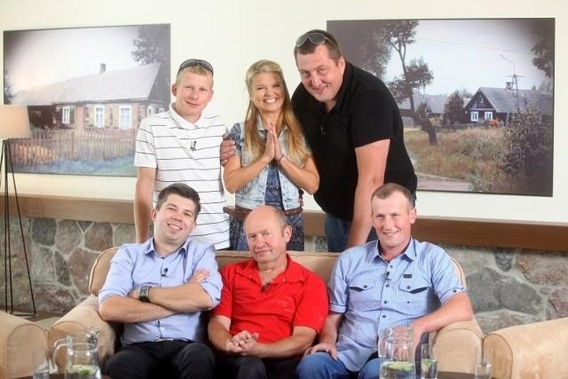 """Ten format sprawdził się na świecie. W polskiej wersji na casting do programu """"Rolnik szuka żony"""" zgłosiło się tysiąc marzących o zamążpójściu kandydatek."""