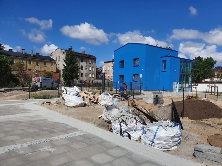 Niebieski dom połączy starszych i młodszych przy ul. Długiej