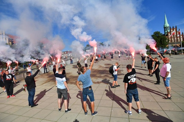 """Godzina """"W"""" na placu Solidarności w Szczecinie"""