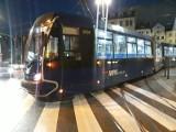 Wykolejenie tramwaju w centrum. Wagon wpadł na przejście dla pieszych