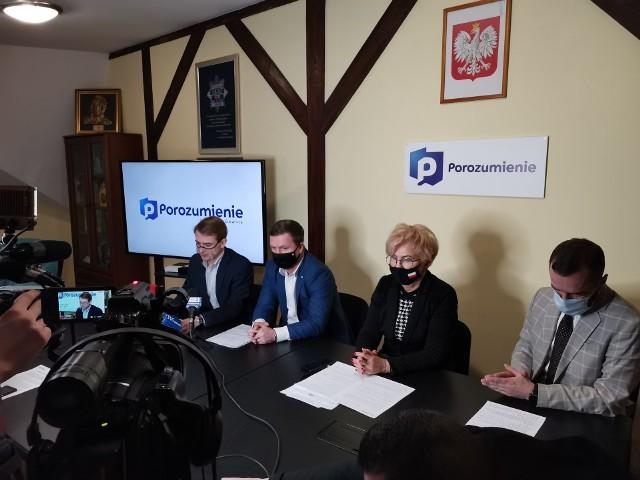 Konferencja prasowa posłanki Iwony Michałek z partii Porozumienie