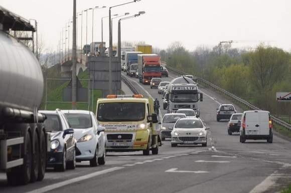 Najwięcej środków przeznaczonych zostanie – tak jak dotąd – na inwestycje transportowe. Powstaną kolejne nowe drogi, również te o znaczeniu dla transportu europejskiego.
