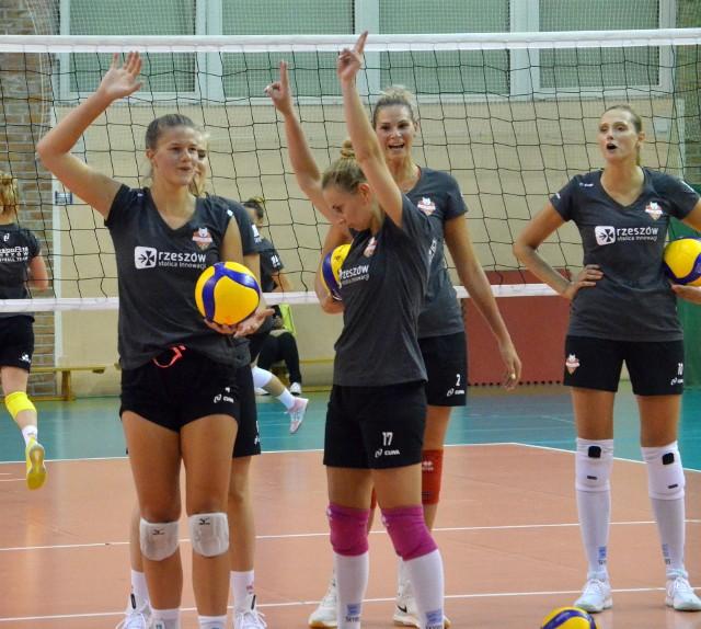 Developres od kilku dni trenuje w hali V LO, początkowo jednak zajęcia odbywały się w Kielnarowej.