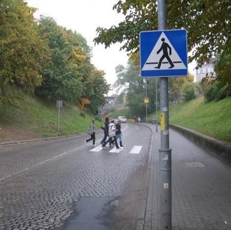 Teraz uczniowie mogą legalnie przechodzić na skróty przy ul. Tunelowej.