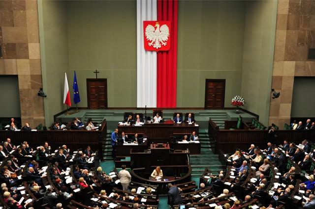 Edyta Kubik została dziś zaprzysiężona na posłankę. Jednak funkcję tę sprawiać będzie jedynie przez dwa dni, zastępując nieżyjącego marszałka seniora Kornela Morawieckiego.