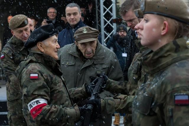 30.11.2017 warszawa uroczystosc przekazania karabinow grot zolnierzom wot adam guz/polska press