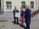 Komisaryczna wójt Warlubia podsumowała kampanię i dostała czek na rewitalizację terenów w Rulewie