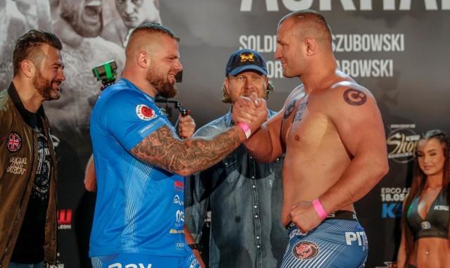 Karol Bedorf (z lewej) i inni wojownicy MMA będą od dziś jeszcze bardziej dostępni dla fanów sportów walki