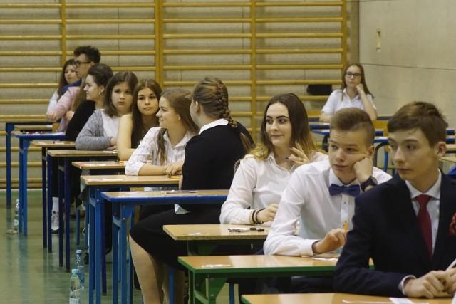 Egzamin gimnazjalny 2019. Arkusze CKE i odpowiedzi z matematyki i przedmiotów przyrodniczych