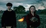 "Najlepsze seriale Netflix, HBO, Showmax: Co warto oglądać w 2018? ""Dark"", ""The End of the F***ing World"", ""Outlander"", ""Peaky Blinders""..."