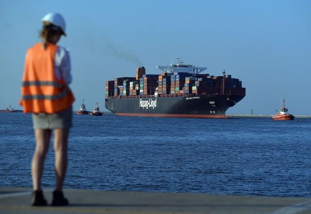 Jak wskazują dane Światowej Organizacji Handlu (WTO), państwa G20 utrzymują wysokie tempo wprowadzania barier w handlu międzynarodowym, a jednocześnie coraz mniej chętnie decydują się na środki, które ten handel ułatwiają.