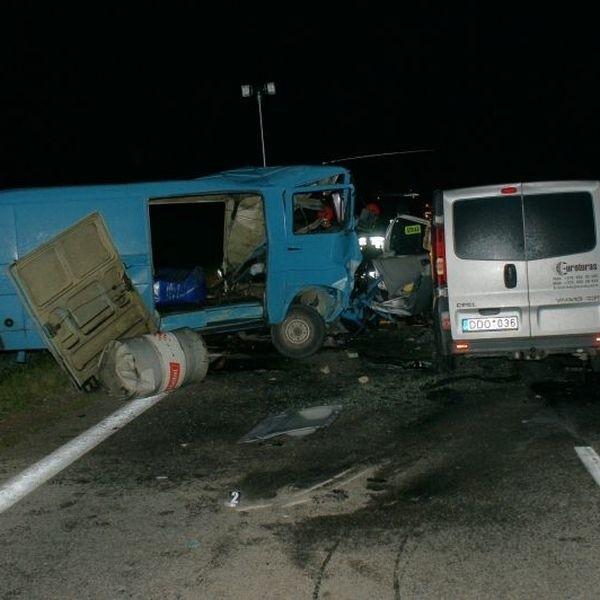 Na prostym odcinku drogi zderzyły się dwa busy - litewski i polski. Kierowca tego ostatniego, 56-letni mieszkaniec Nowej Wsi Ełckiej zginął.