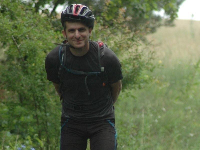Tomasz Kowalski w czasie rajdu One Sight Adenture w Lubniewicach pokonuje odcinek na rolkach. Pochodzący z Dąbrowy Górniczej himalaista odnosił także sukcesy w rajdach przygodowych.
