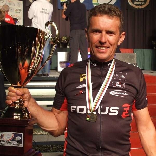 Wojciech Kwiecień znów powiększył swoją kolekcję trofeów.