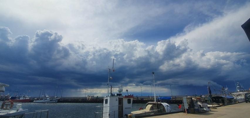 Majowe oberwanie chmury w Pucku w poniedziałek, 17.05.2021...