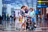 Jakie są oferty dla poróżujących samolotem z dziećmi? [LOT, Ryanair, Wizzair, EasyJet, Lufthansa]