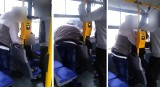 Interwencja kontrolerów w autobusie linii 64 w Bydgoszczy - pasażerka wstrząśnięta [wideo]