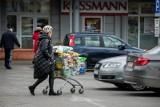Koronawirus jeszcze bardziej napędził sprzedaż internetową kosztem zakupów w sklepach stacjonarnych