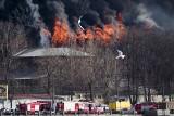 Newska Manufaktura w Petersburgu w ogniu. Zginął jeden strażak, dwóch jest ciężko rannych (VIDEO)
