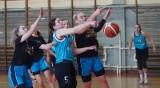 Koszykówka, 2 liga kobiet. Niezwykle zacięte było spotkanie pomiędzy zespołami MLKS-MOS Rzeszów i RKK AZS Racibórz