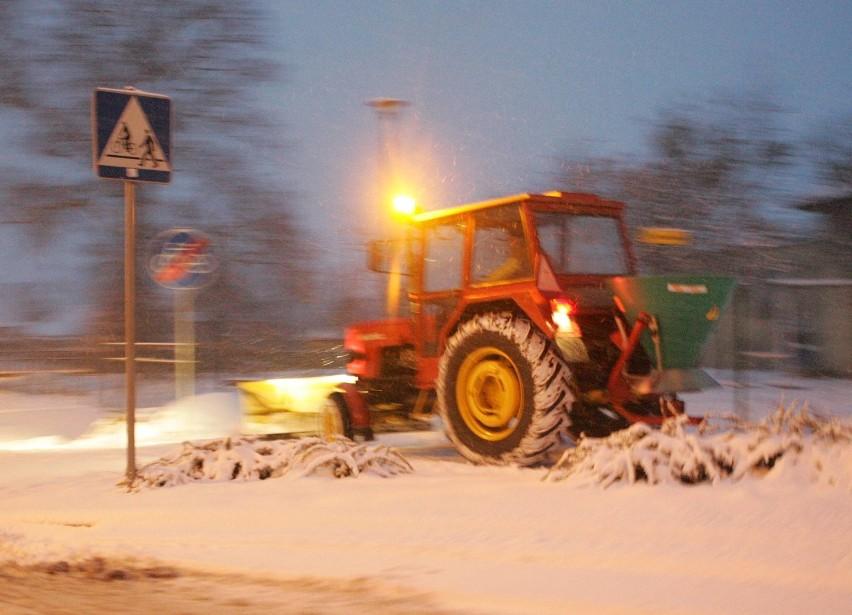 Synoptycy ostrzegają, że tej nocy w niektórych miejscach województwa może spaść nawet do 20 cm śniegu.