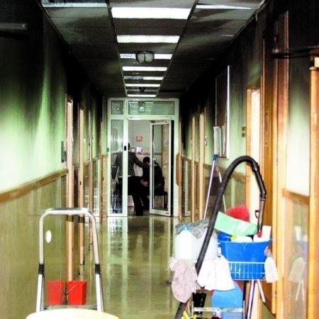 Jeden z korytarzy po pożarze