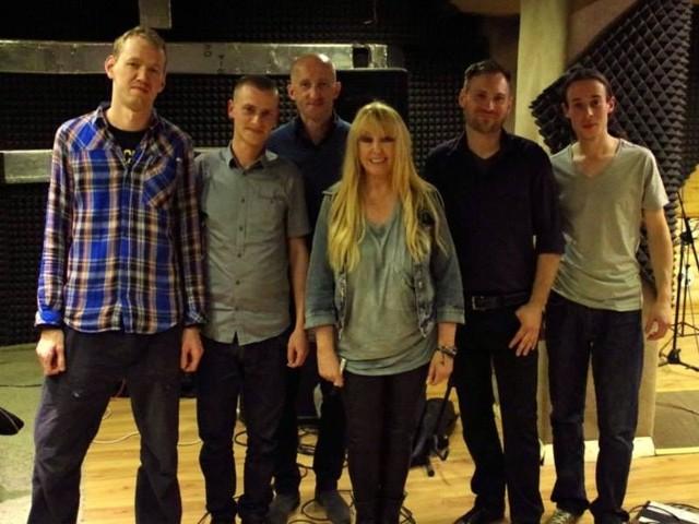 Członkowie zespołu Eden Express w towarzystwie Maryli Rodowicz.
