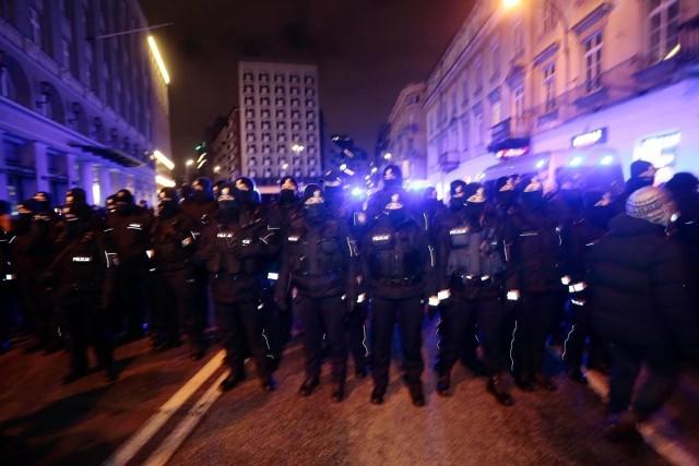 Policja podczas protestu Strajku Kobiet w Warszawie, 29 stycznia