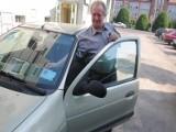 Urzędnicy, na pół roku, pozbawili inwalidę karty parkingowej