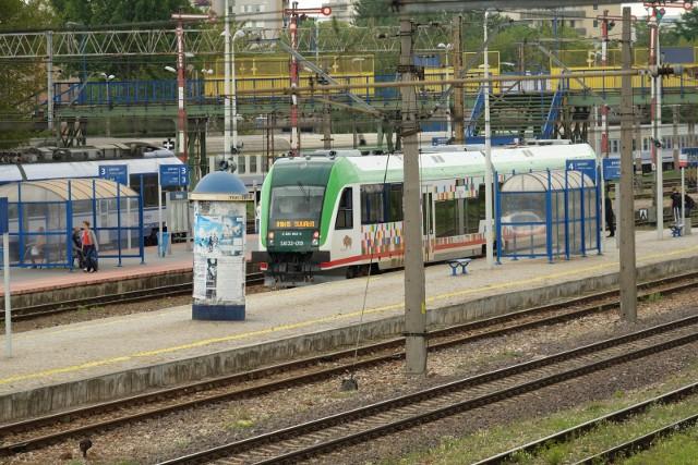 Przyczyną zmian są prace modernizacyjne prowadzone przez PKP PLK, a także prośby pasażerów o lepsze skomunikowanie pociągów.