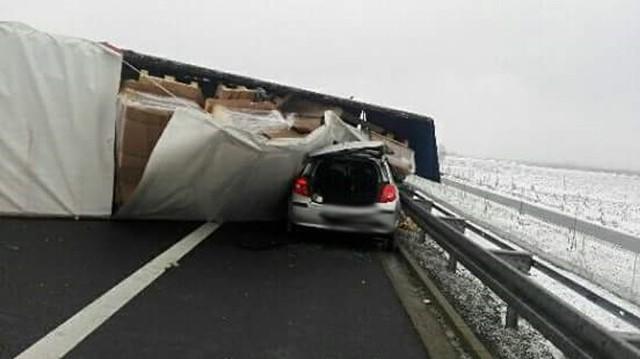 Droga w kierunku Zielonej Góry jest zablokowana.