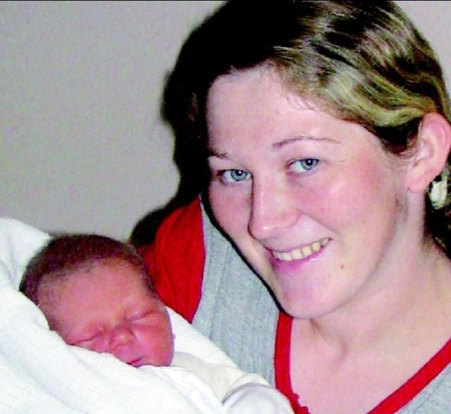 Amelia Pyśk urodzila sie 8 listopada, wazyla 3540 g i mierzyla 55cm. To drugie dziecko Justyny i Radoslawa z Nowej Wsi. Siostry niemógl sie doczekac 3-letni Patryk.