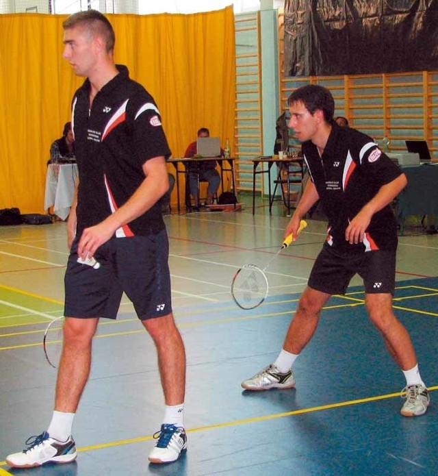 Łukasz Moreń (z lewej) zdobył punkty w mikście oraz w deblu i był bohaterem meczu SKB Litpol-Malow z Technikiem Głubczyce