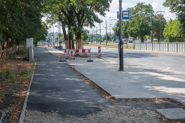 Odcinek drogi rowerowej między rondem Skubiszewskiego a Jugosłowiańską jest już na finiszu.