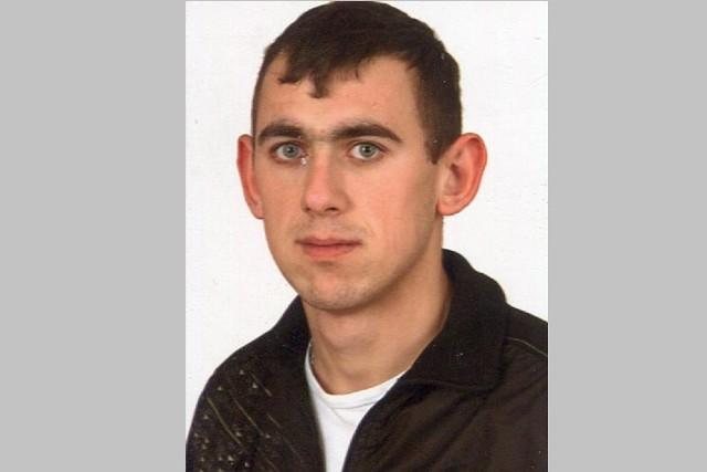 Tak wygląda zaginiony Damian Kaźmierczak.